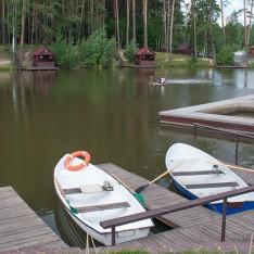 Лодочный причал на озере, КП Елочка